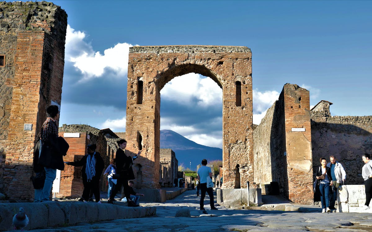 all inclusive pompeii guided tour and ticket-0