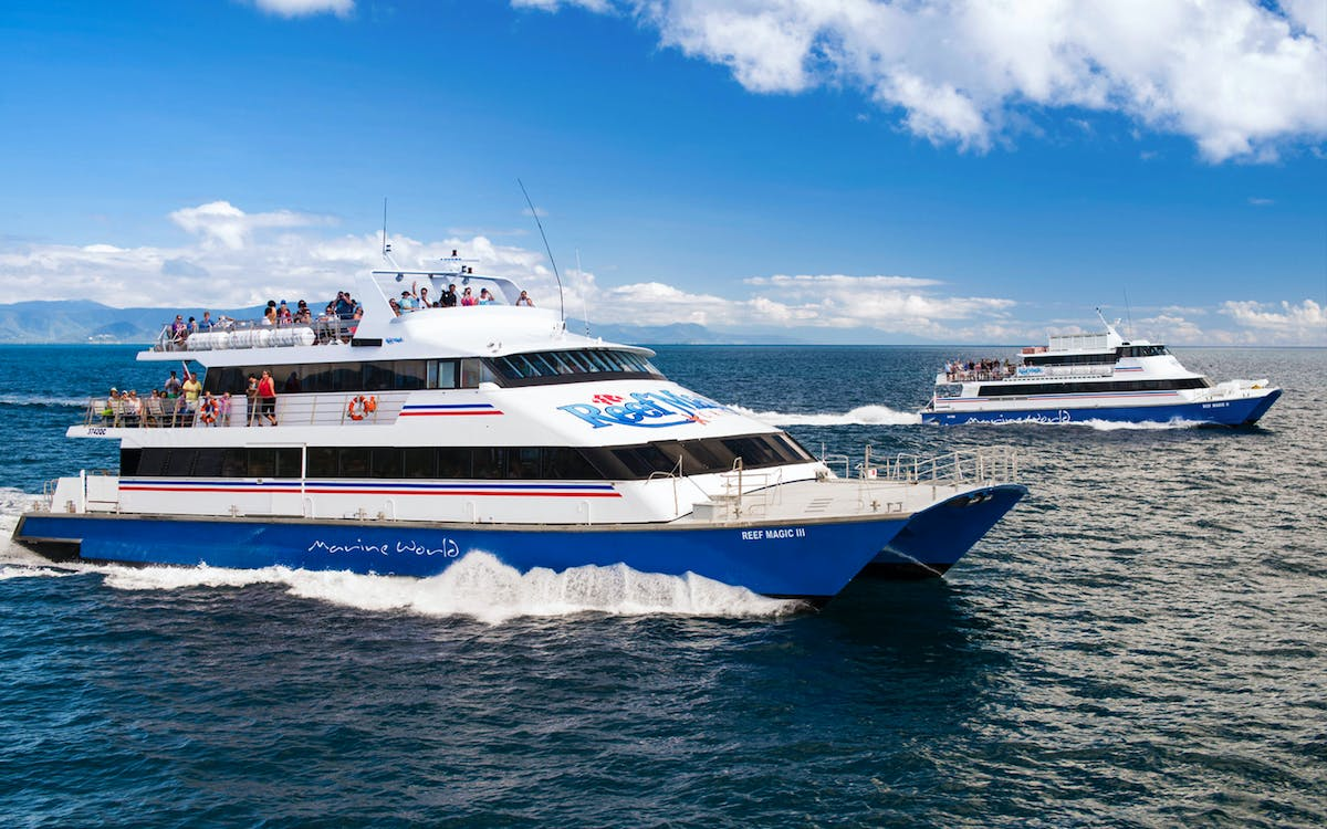 ultimate great barrier reef cruise with marine world pontoon from cairns-0