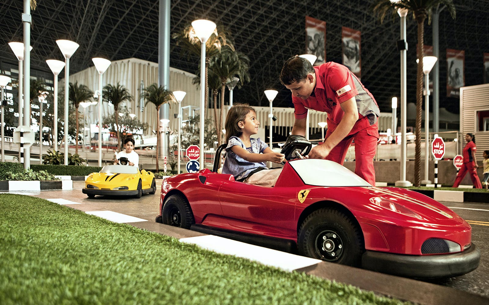 ferrari world and yas waterworld: two day pass -3