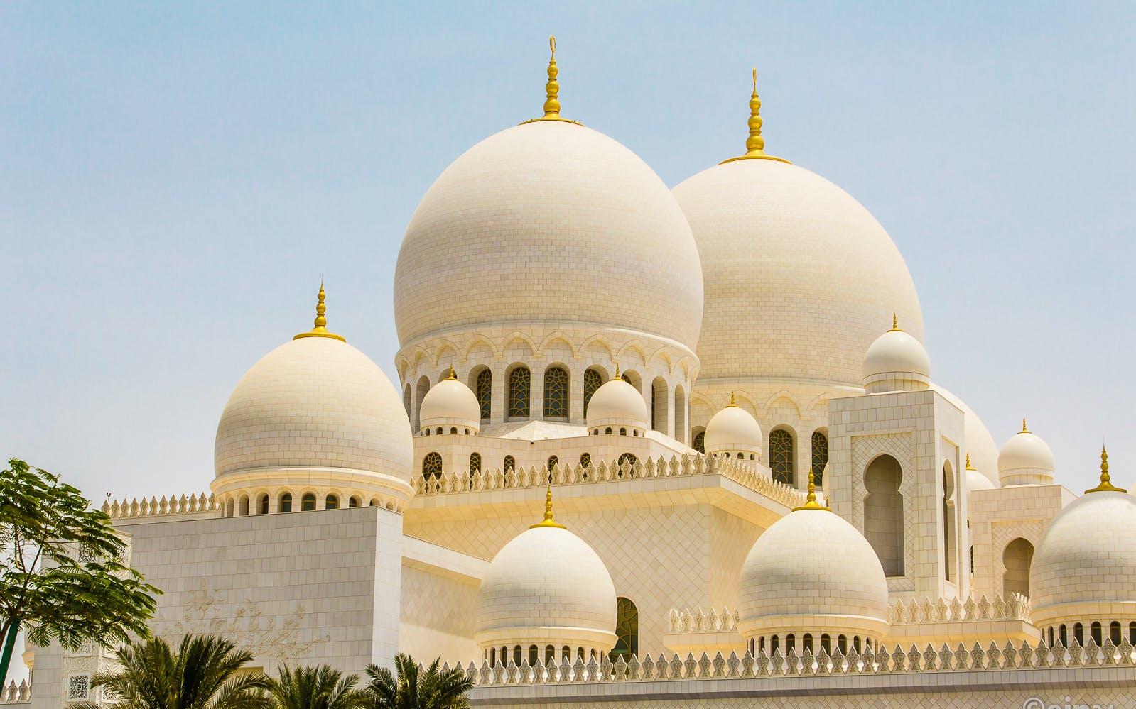 abu dhabi day trip - sheikh zayed grand mosque