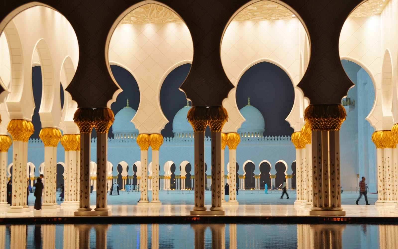 sheikh zayed grand mosque tour-3