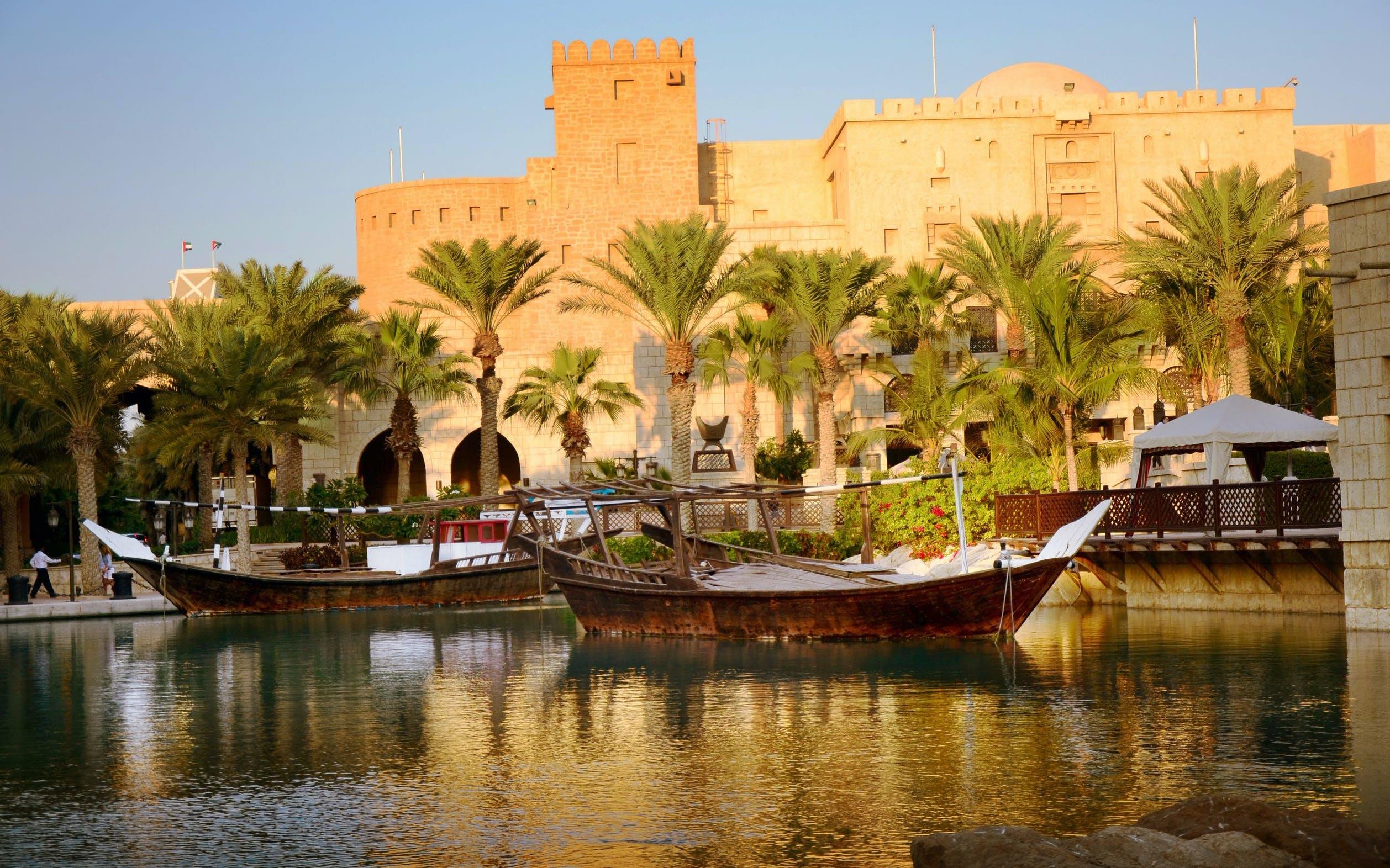 Dubai Dhow Cruise - Dubai Creek Sightseeing Cruise