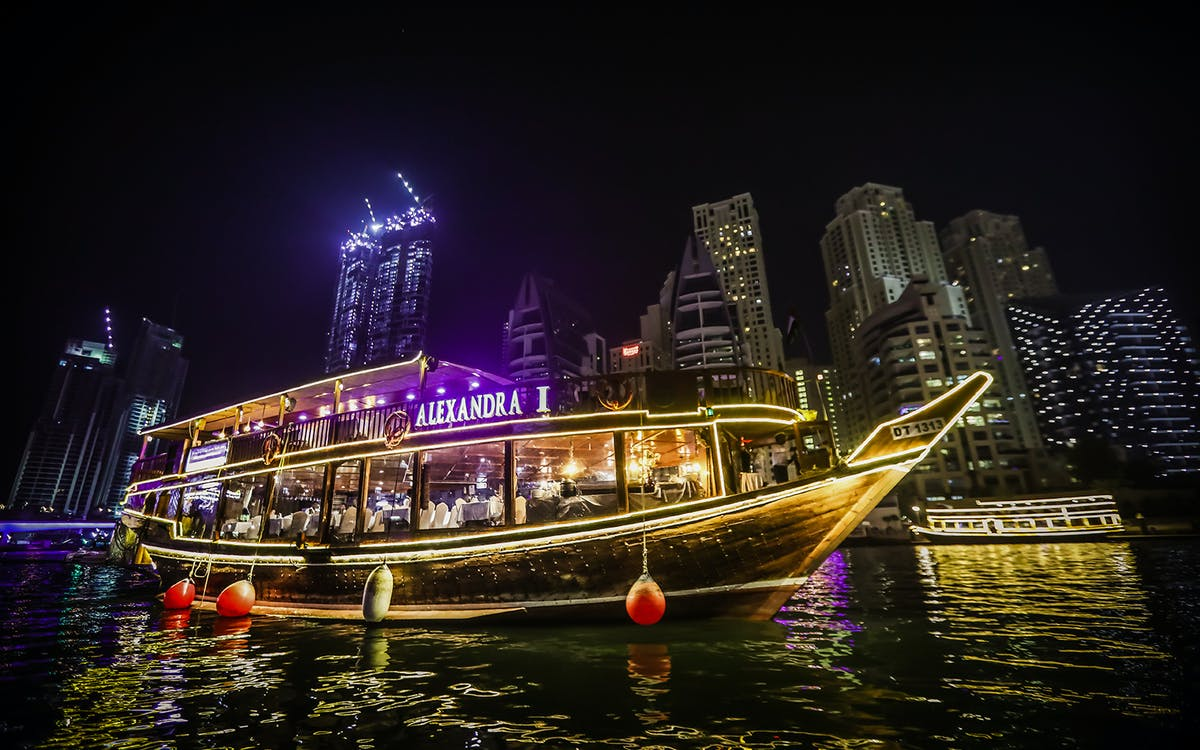 alexandra dhow cruise dinner in dubai marina with live entertainment-1