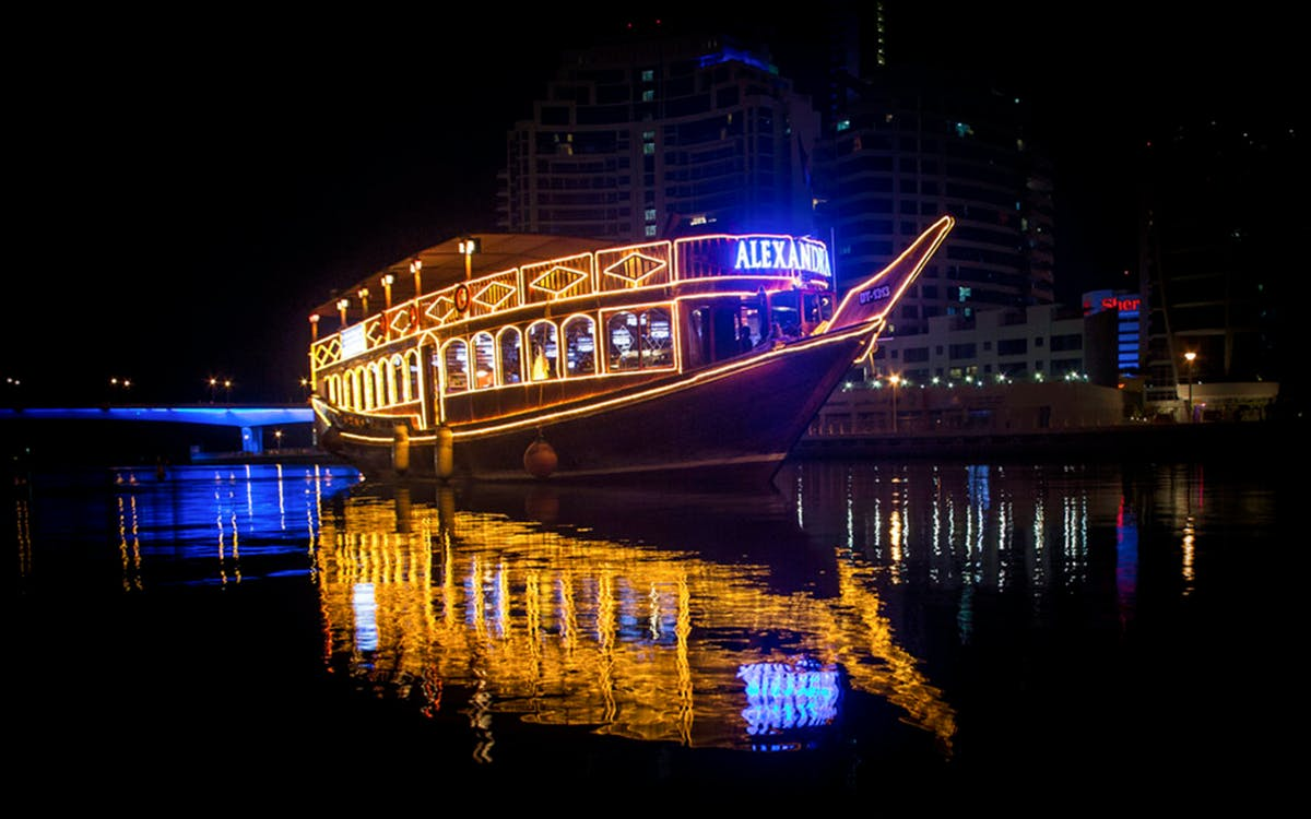 dubai marina dhow dinner cruise with live entertainment-2