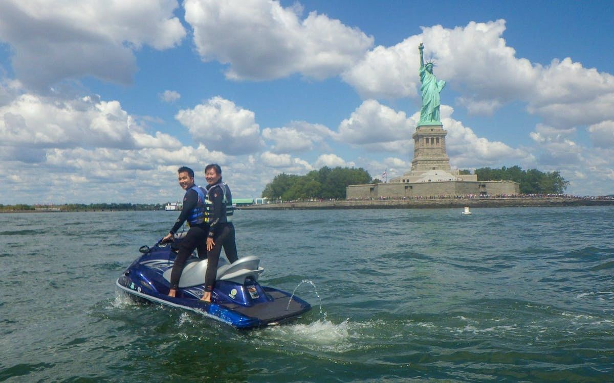 statue of liberty & brooklyn bridge - jet ski tour-3