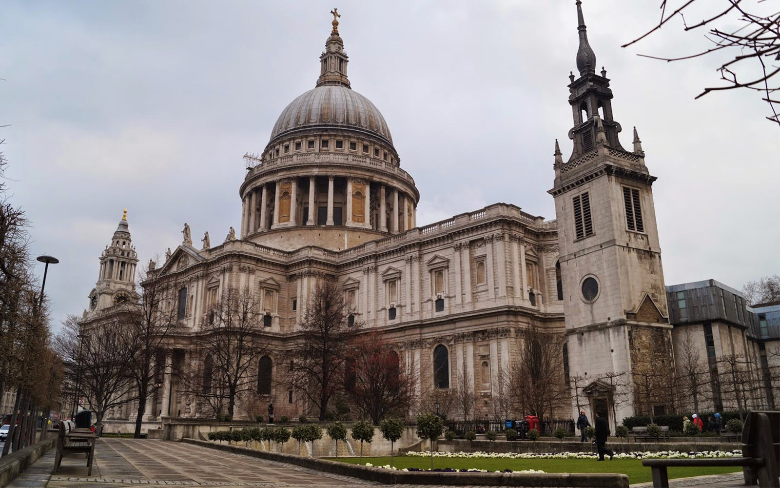 Panoramic Tour of London with Change of Guard & St Pauls Cathedral