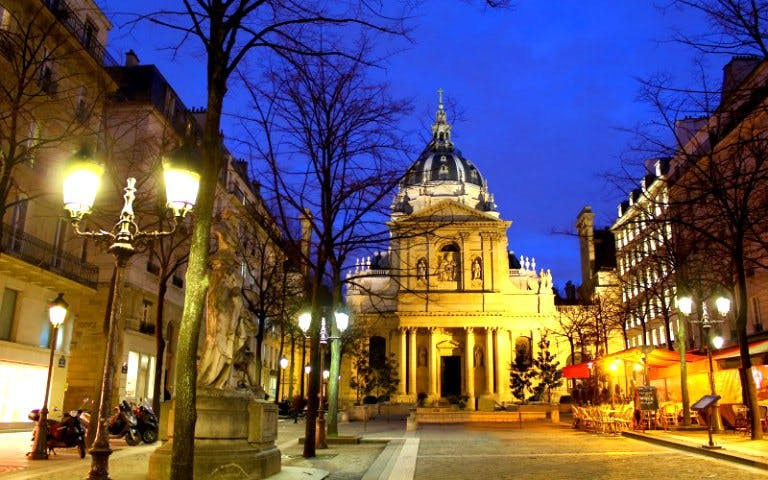 latin quarter night walking tour-1