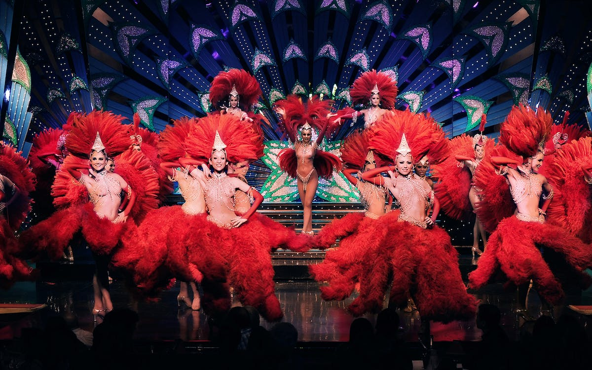 moulin rouge show paris with dinner best prices headout. Black Bedroom Furniture Sets. Home Design Ideas