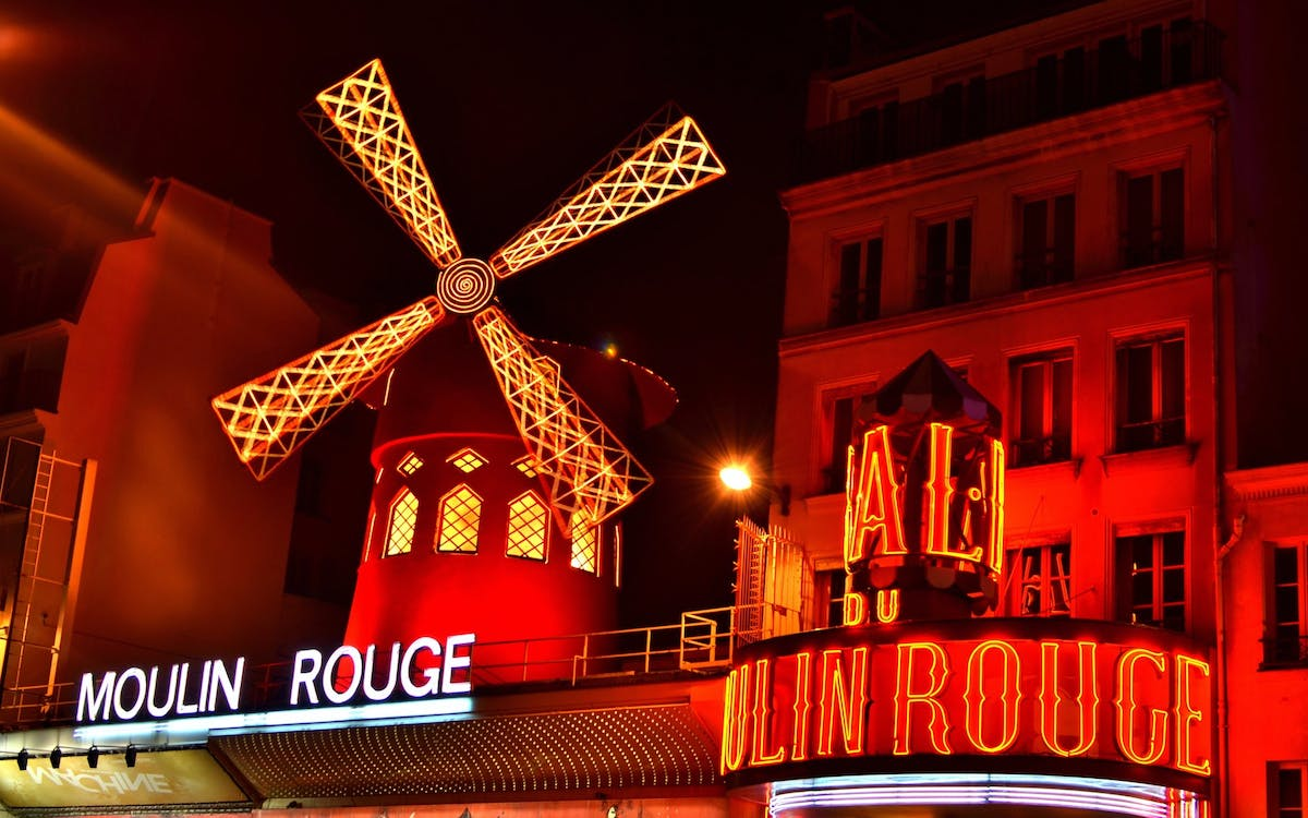 moulin rouge show with champagne & paris city tour-4