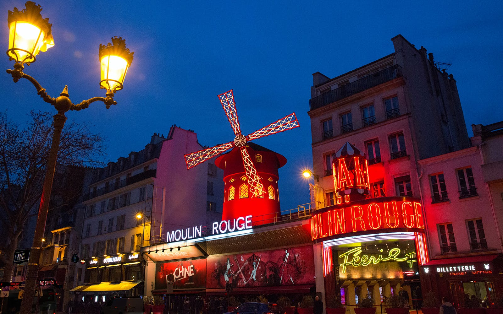 moulin rouge show with champagne and seine river cruise with transportation-3