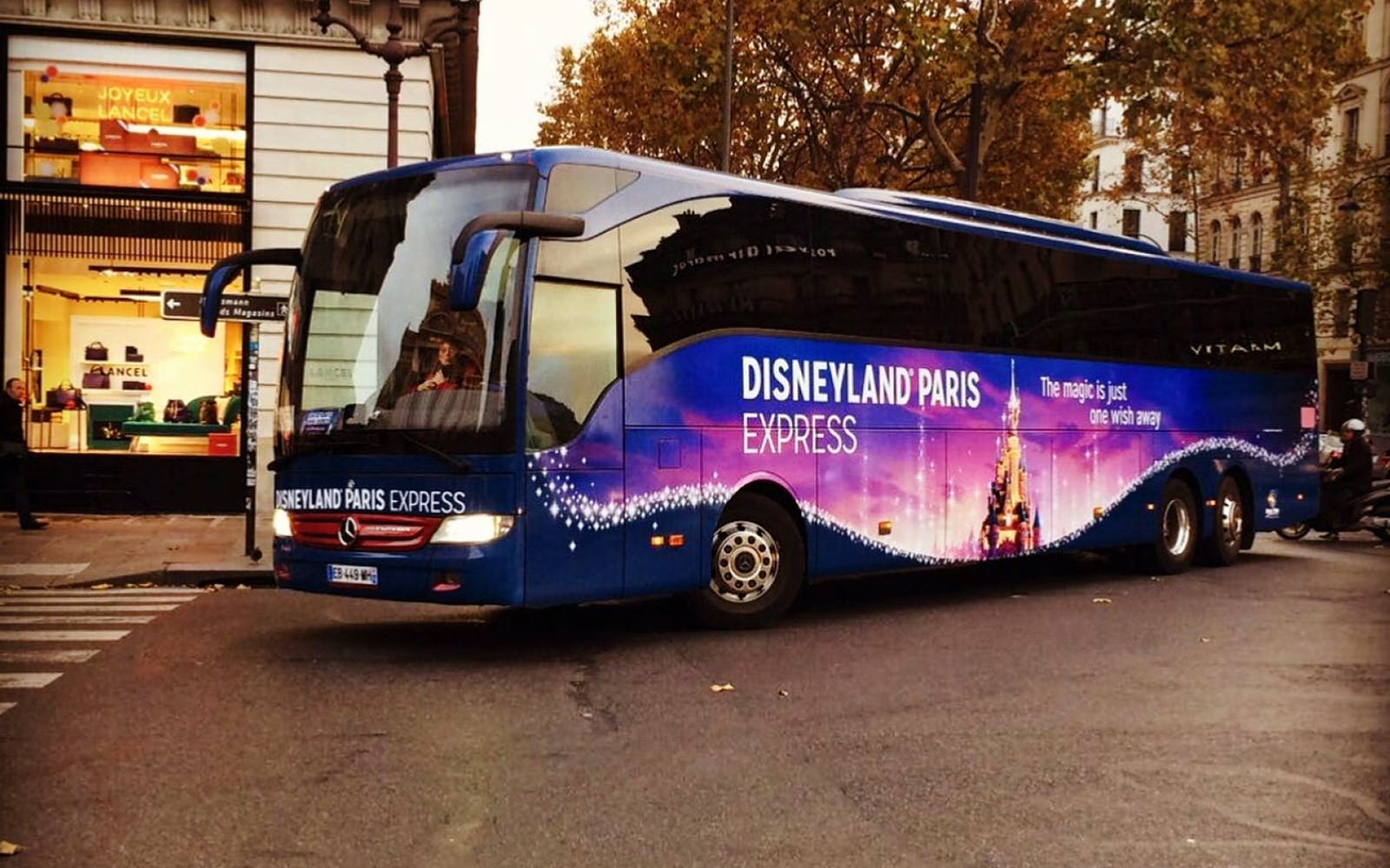 disneyland skip the line with luxury coach transport from paris-4