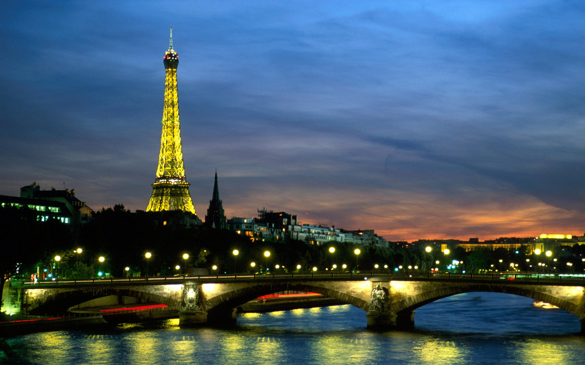 dinner at the eiffel tower + seine river cruise -2