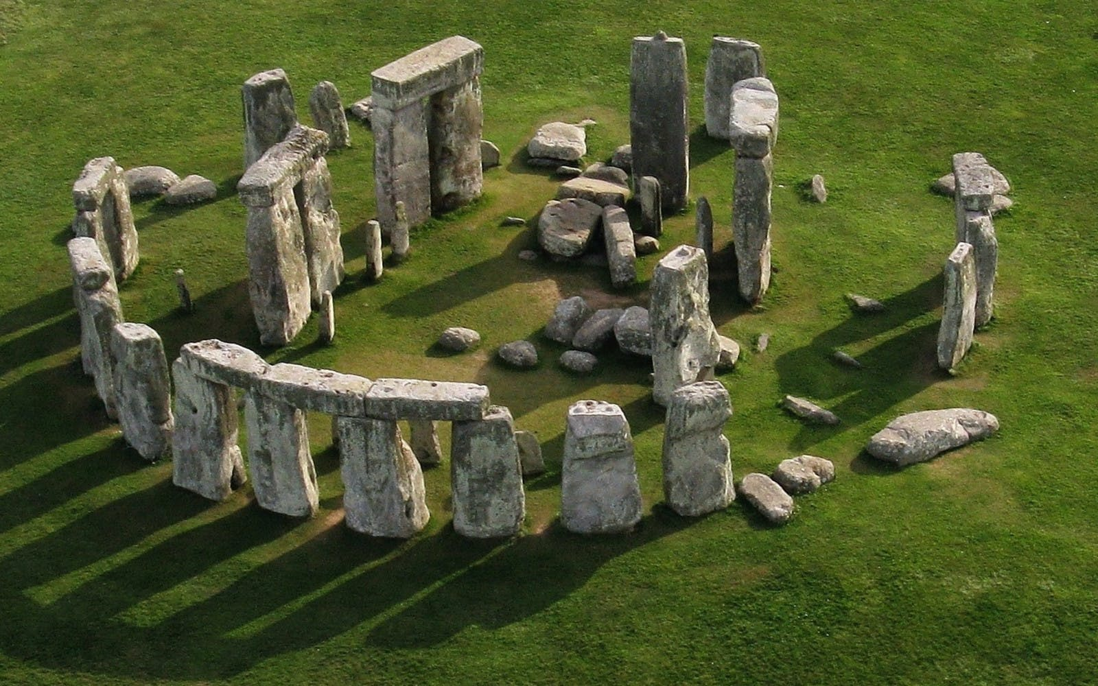 stonehenge, windsor castle and oxford day tour from london-2