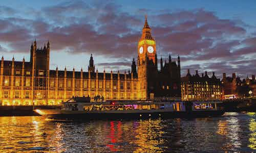 3 Day London Itinerary - Thames Dinner Cruise 3