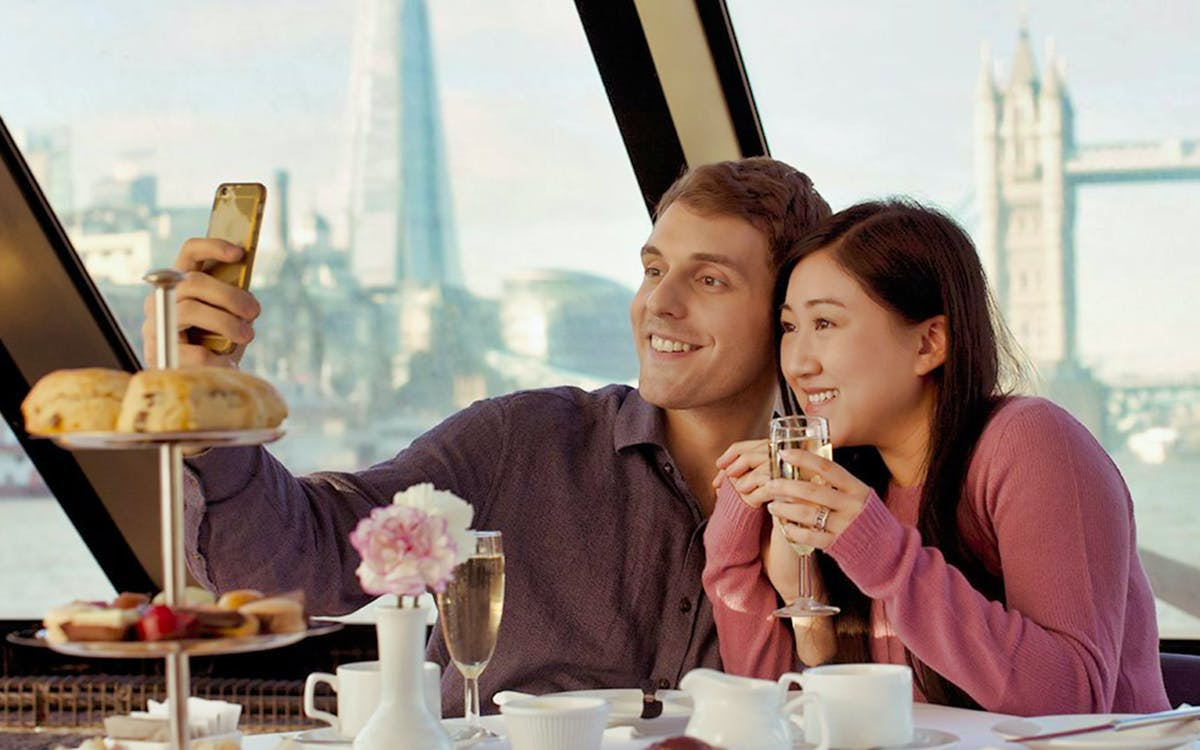 afternoon tea cruise on river thames-1