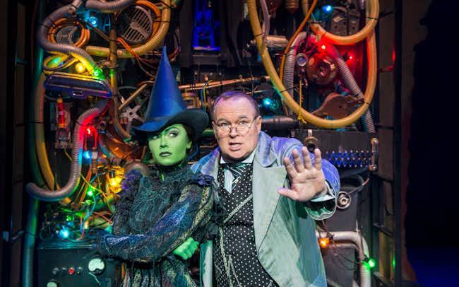 apollo victoria theatre london - wicked musical
