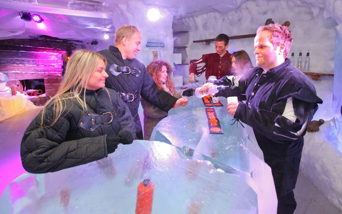 amsterdam icebar with drinks-3