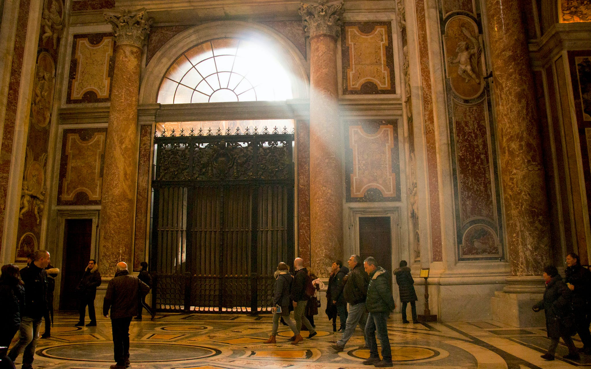 early access group tour to vatican museum & sistine chapel-3