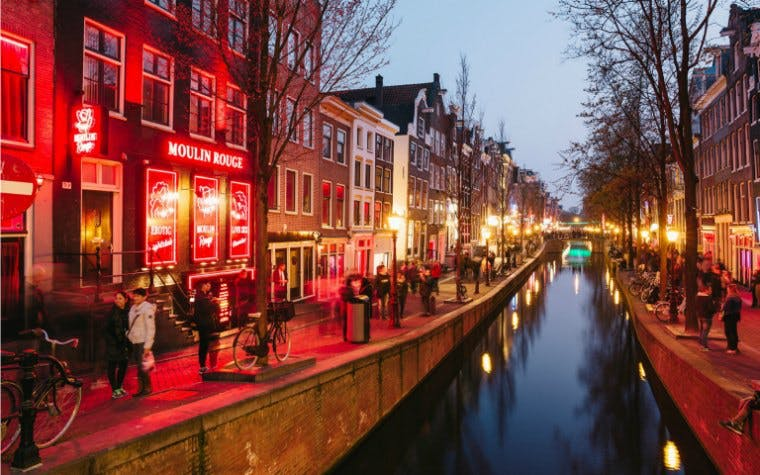 red light district walking tour with optional food & drinks-1