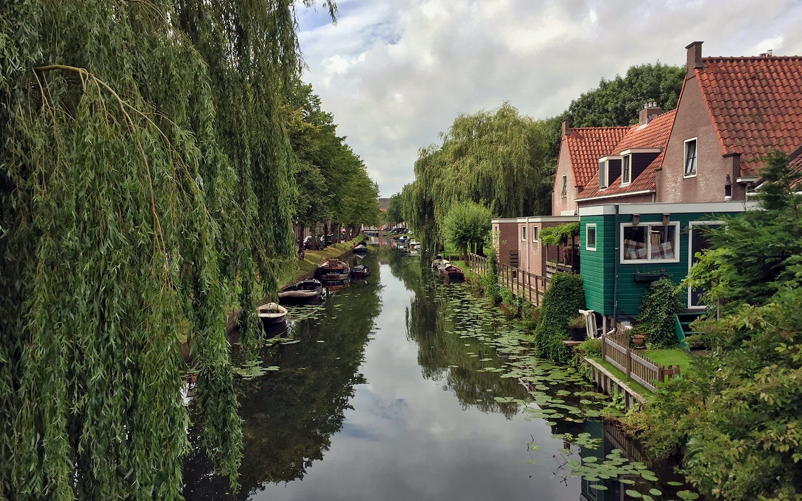 small group half day trip to volendam & edam-2