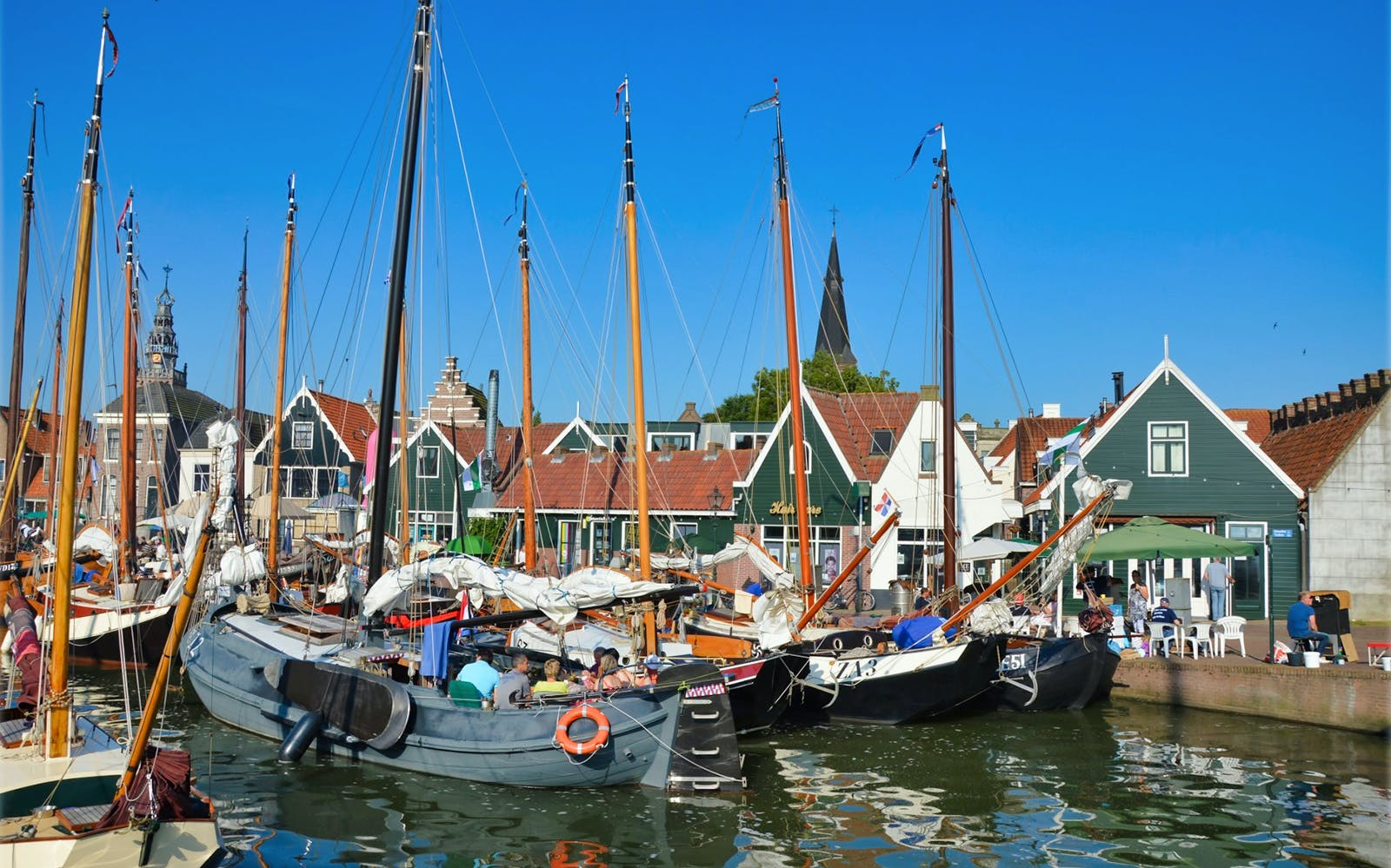 small group half day trip to volendam & edam-3