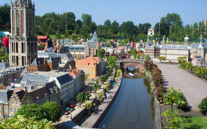 small group tour - day trip to the hague & madurodam-3