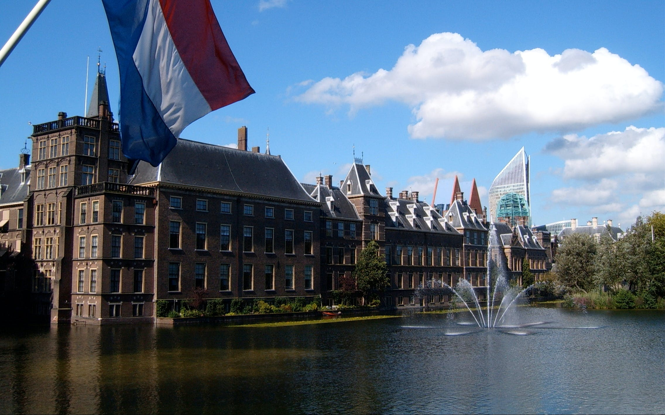 Small Group Tour: Full Day trip to Rotterdam, Delft and the Hague from Amsterdam