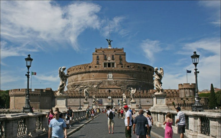 Ghost & Mysteries of Rome Private Walking Tour