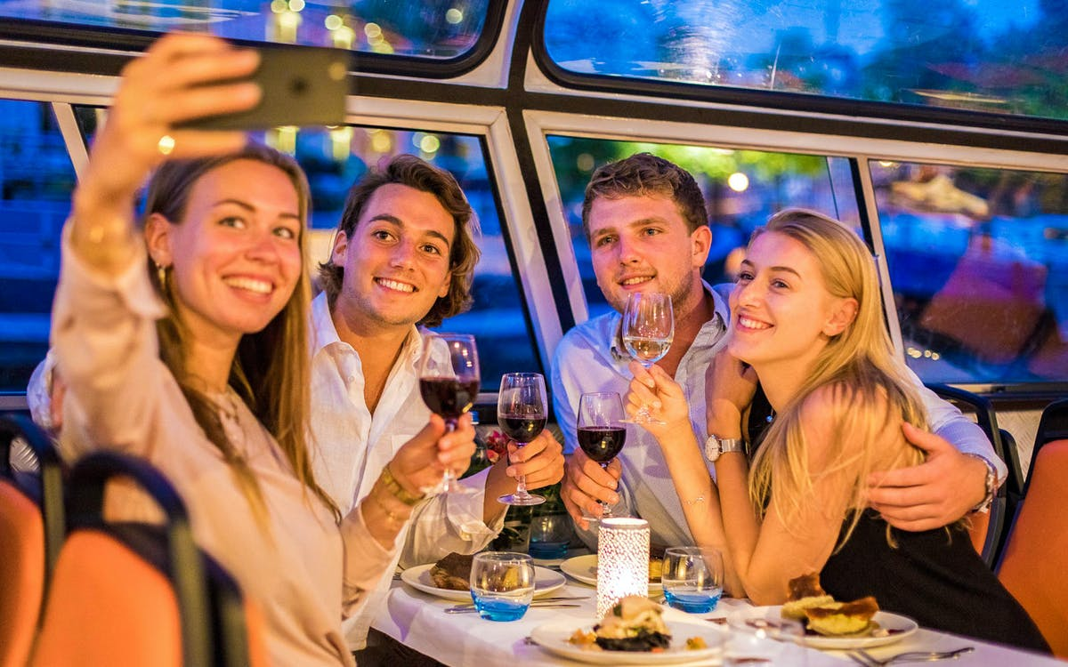 evening canal cruise with 4-course dinner and drinks-4