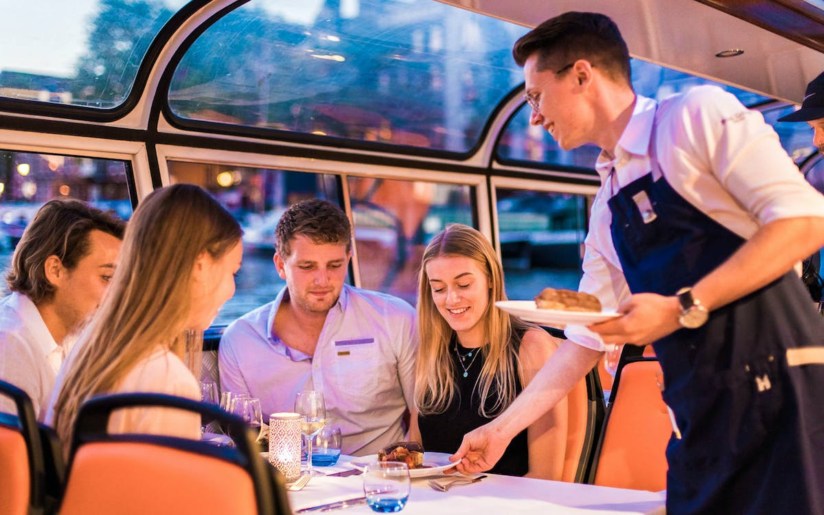 evening canal cruise with 4-course dinner and drinks-1