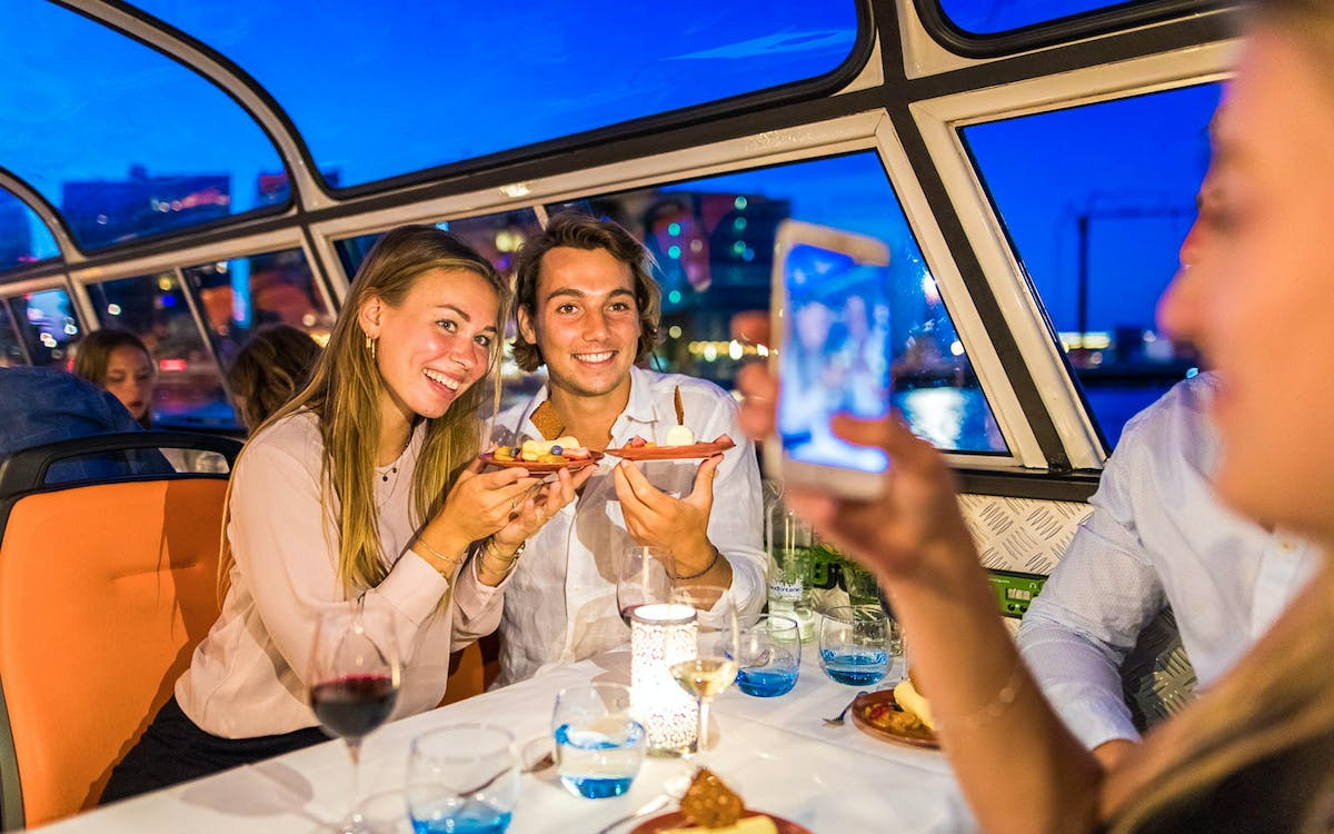 evening canal cruise with 4-course dinner and drinks-5