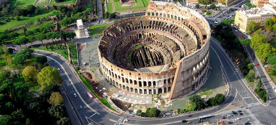 Express Guided Tour of Colosseum, Vatican Museums & Sistine Chapel