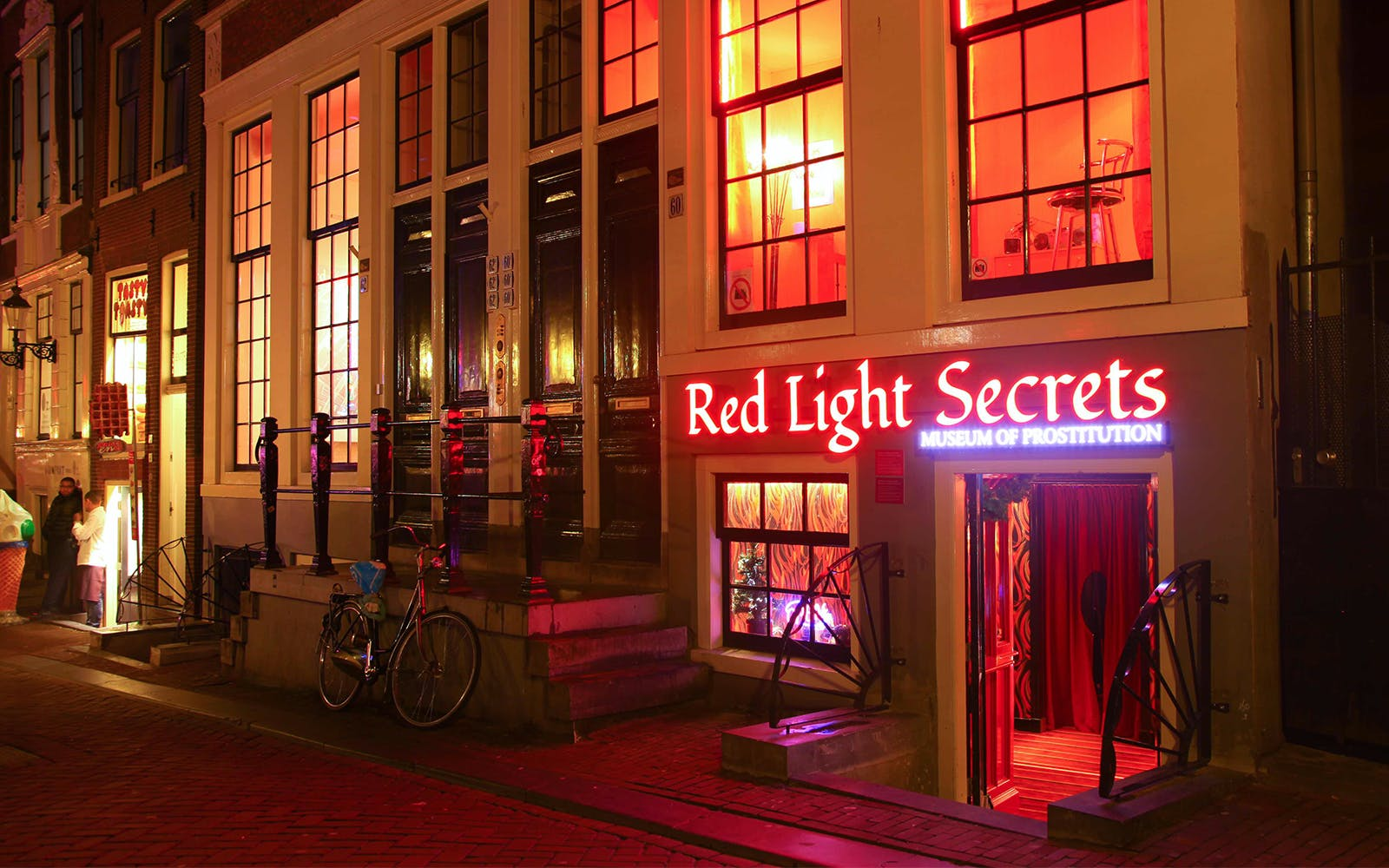 red light secrets & 1 hour canal cruise-1