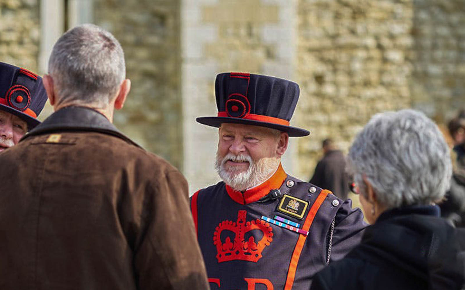 19d51c3c 1385 40ff b68b 6b37ffc92dec 3291 london tower of london tickets with crown jewels   beefeater tour 01