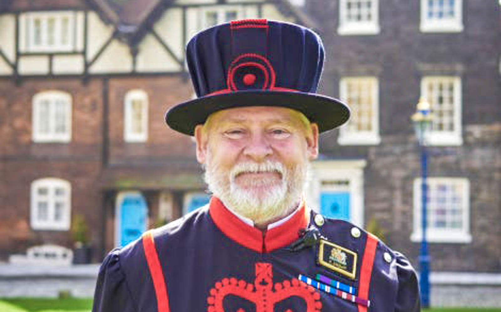 22f14464 5025 4cb8 a2bd 87981b54f2b6 3291 london tower of london tickets with crown jewels   beefeater tour 04