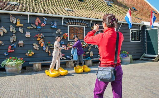 From Amsterdam: Windmills, Edam and Volendam Tour