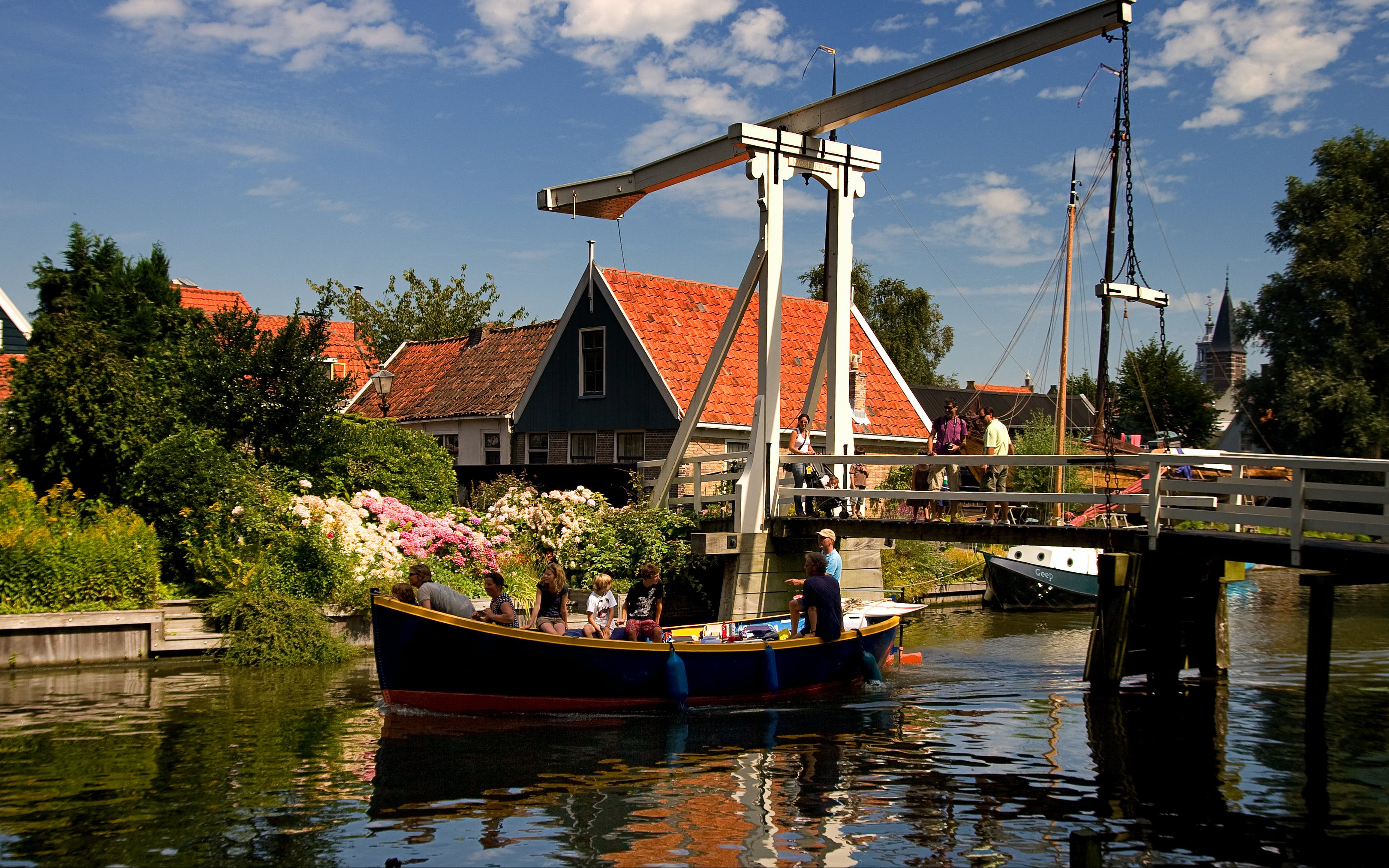 day tour: volendam, edam, and windmills from amsterdam-3