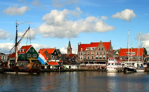 Combination Volendam, Marken & Windmills and Amsterdam Guided City Tour