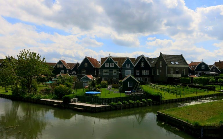 combination volendam, marken & windmills and amsterdam guided city tour-2