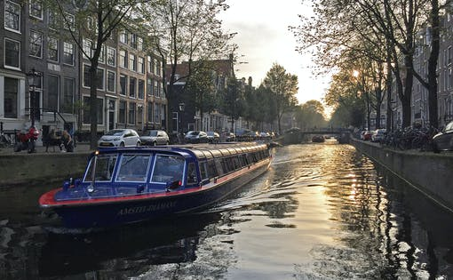 1.5-Hour Evening Canal Cruise