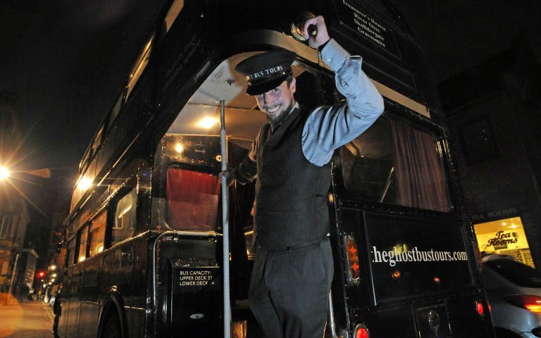 ghost bus tour of london-2