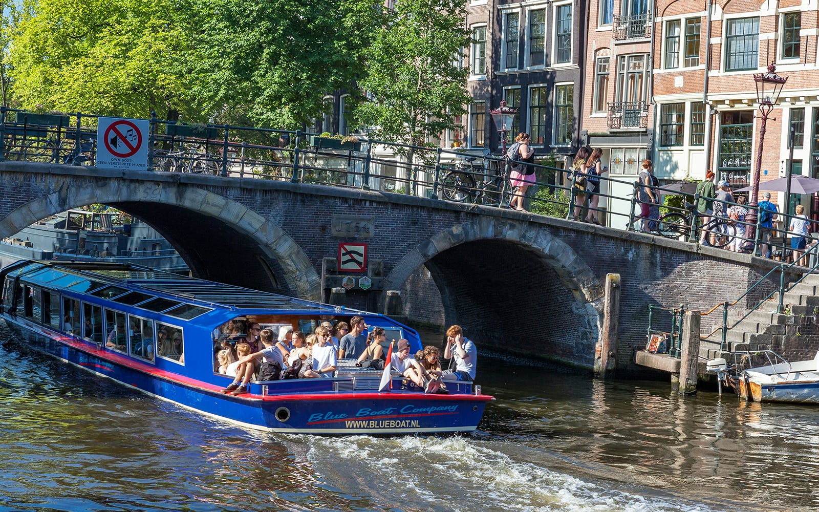 saver combo - canal cruises & rijksmuseum direct entry-4
