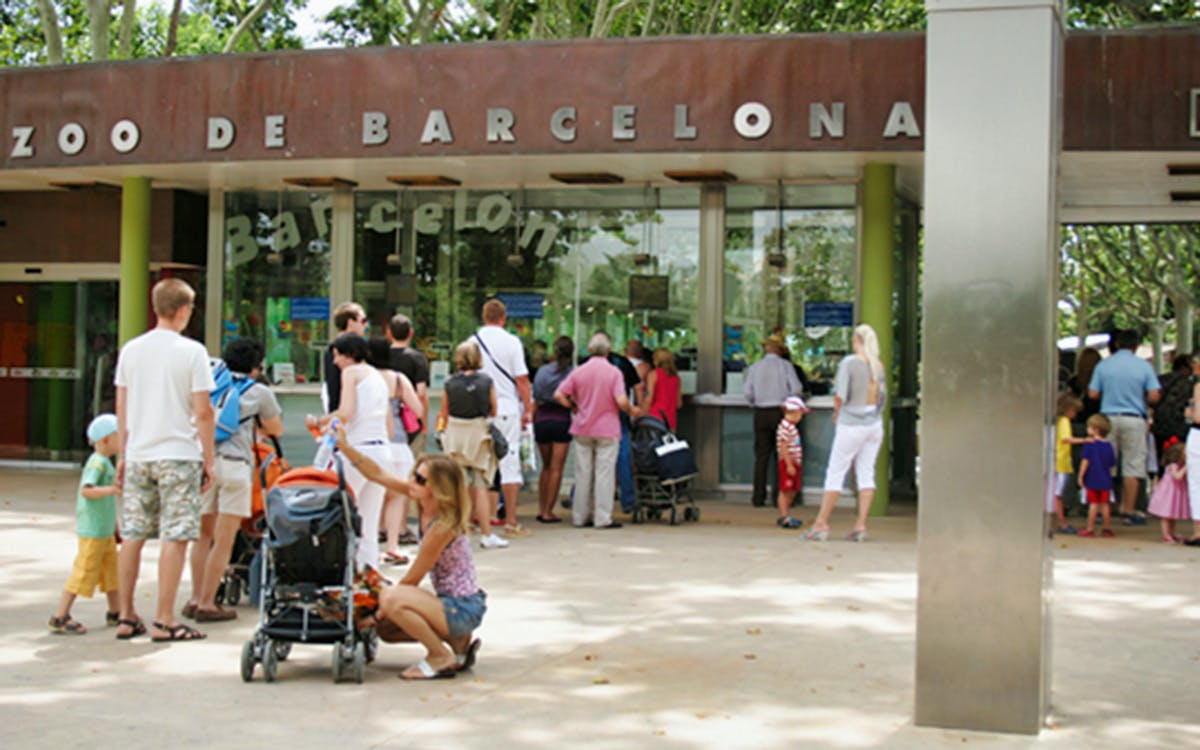 fast track tickets to barcelona zoo-1