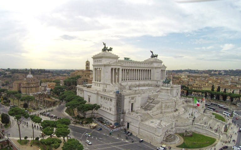 piazza venezia and the imperial forum - family tour-1