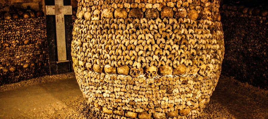 paris in december - Catacombs