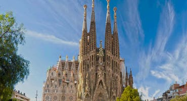 Fast Track Guided Tour of Sagrada Familia with Tower Access