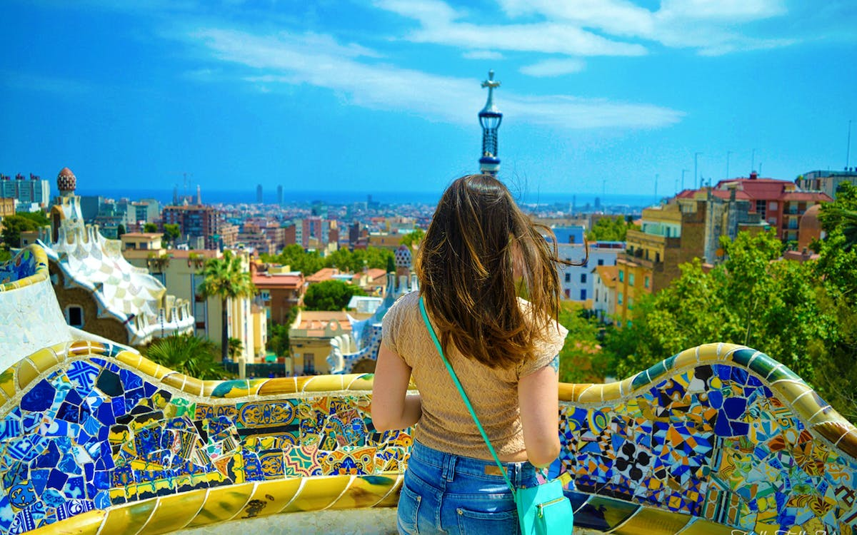 artistic barcelona - the best of gaudi guided tour-1