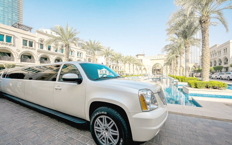 vip dubai city tour in a limousine -1