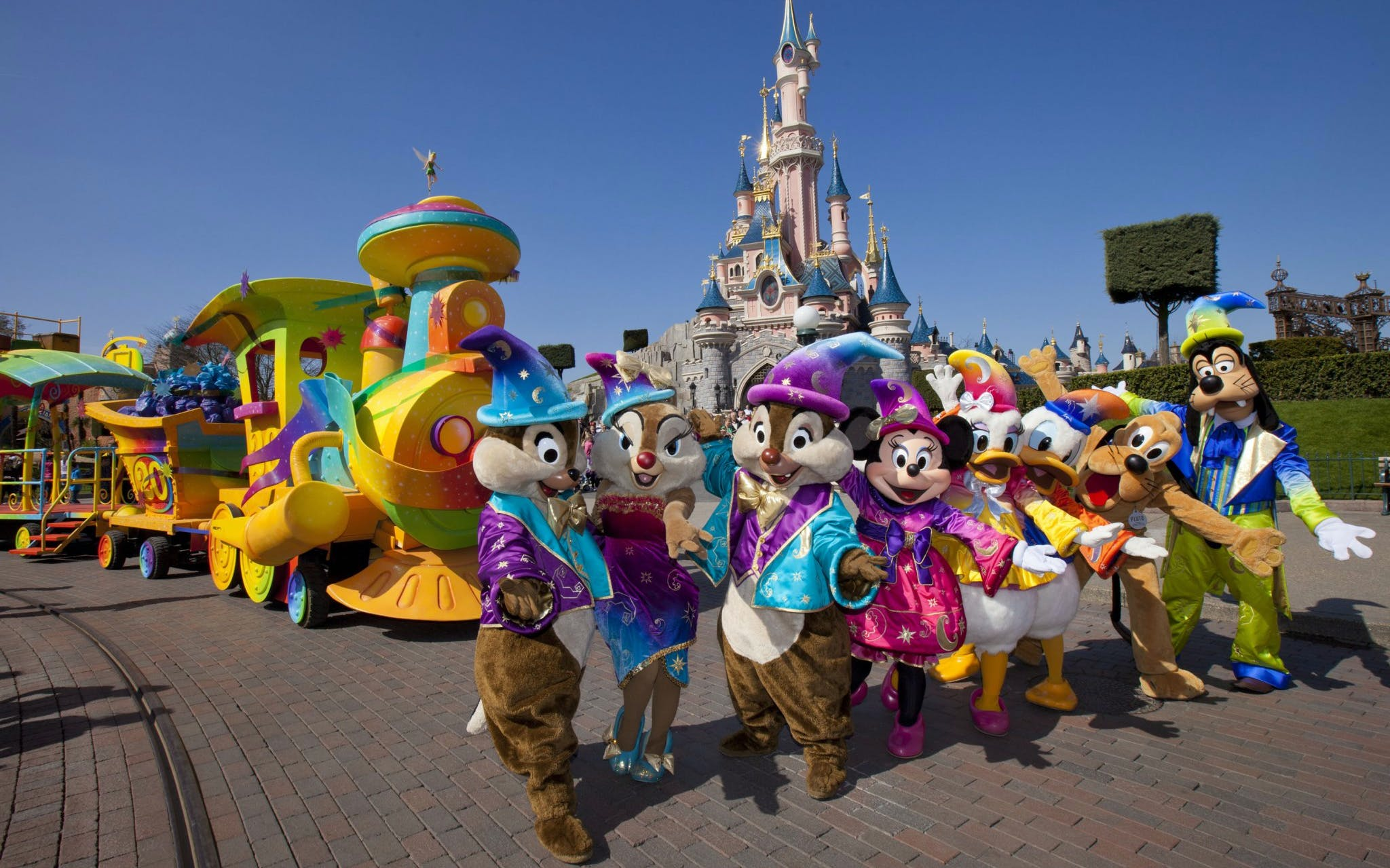 Best Things to do in Paris - Disneyland Paris