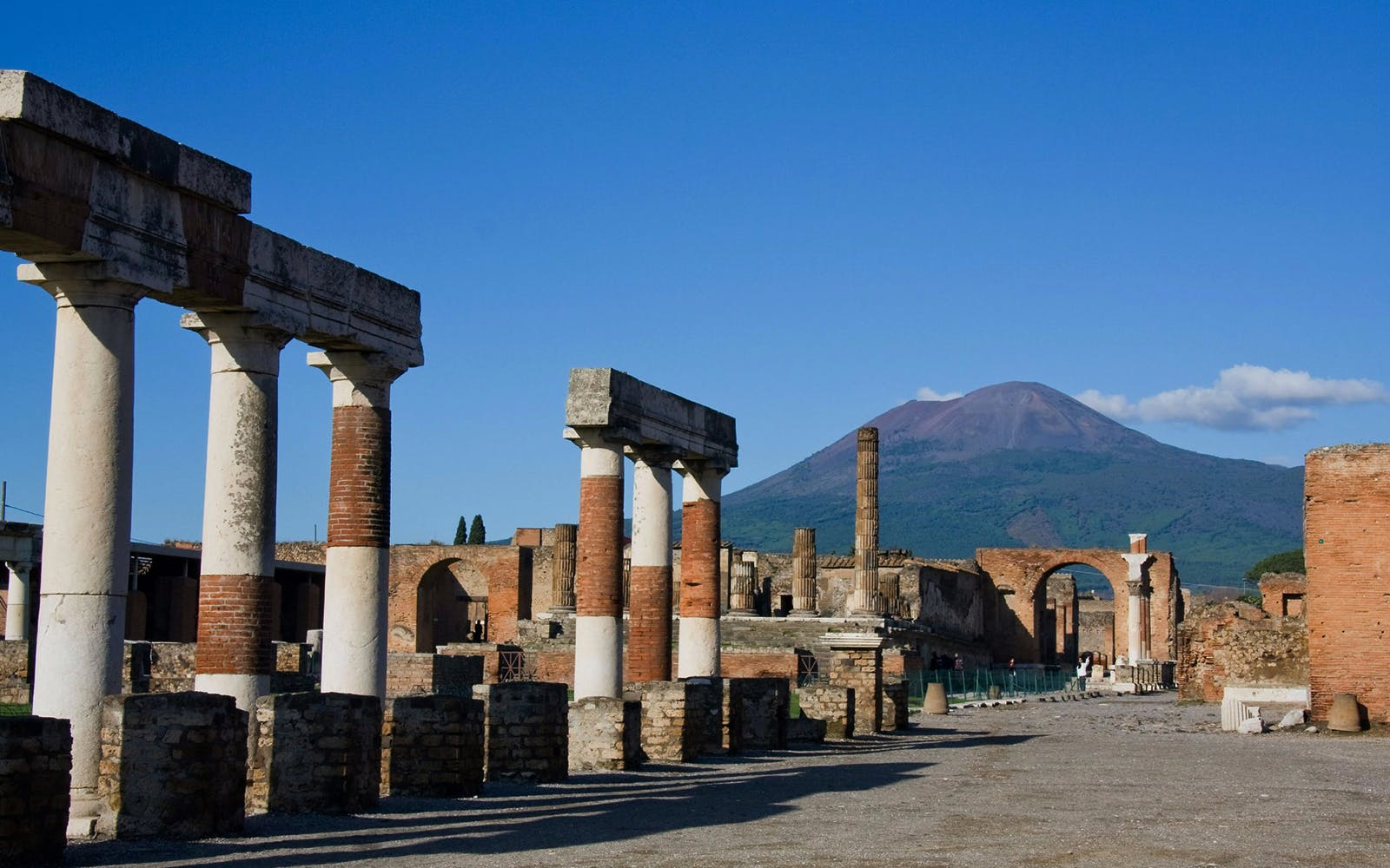 best day trips from rome - pompeii